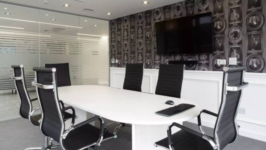 Miller House, Farnworth – The Meeting Room